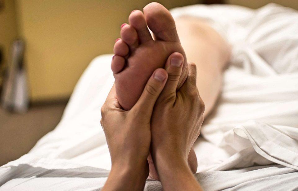 foot-massage-jq-spa